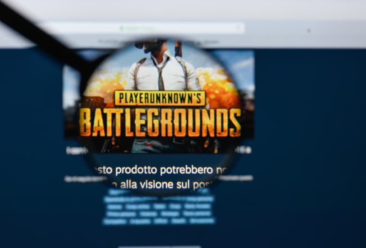 Magnifying Glass Inspecting an Image of PlayerUnknown's Battlegrounds