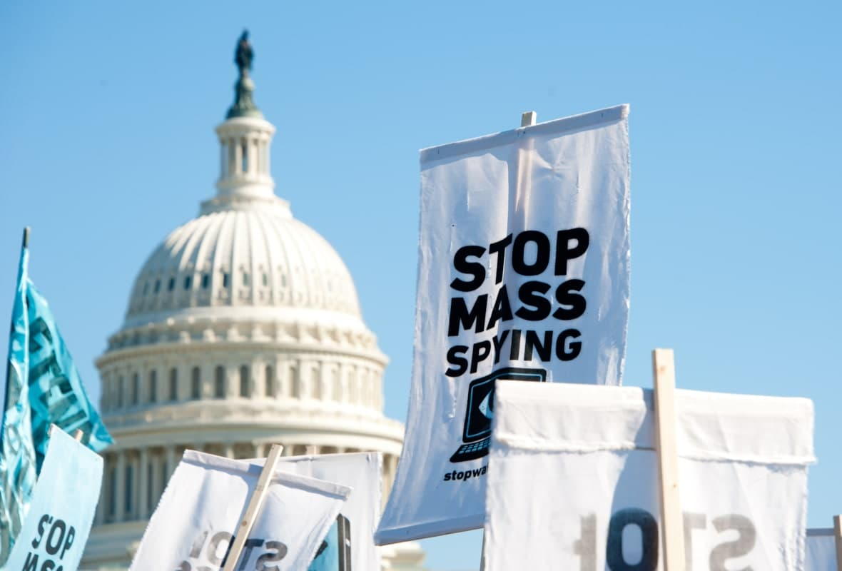 Protest in Washington Against Government Surveillance-min (1)
